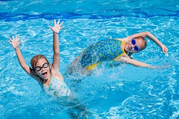 swimming classes adgc